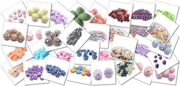 Mix druhů a barev plastových korálků